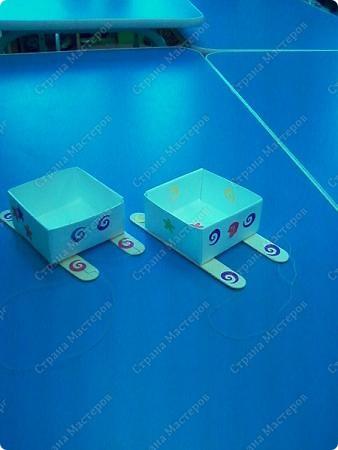 Санки-это коробочка оригами, полозья- медицинские шпателя. фото 1