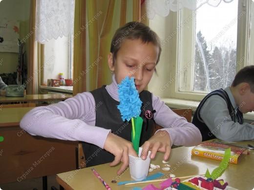 Цветы получились такие же нежные,как и сами юные мастерицы. фото 4