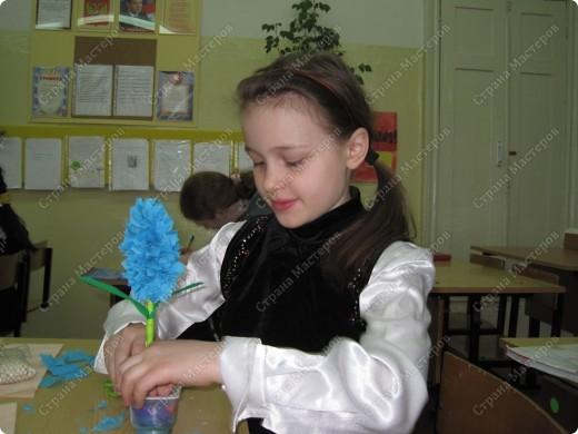 Цветы получились такие же нежные,как и сами юные мастерицы. фото 6