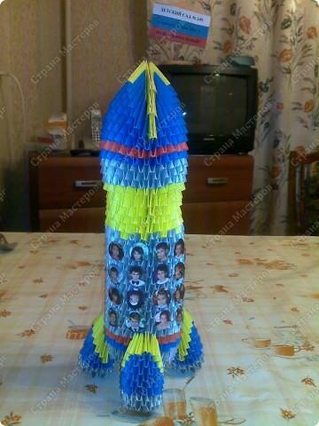 """Это готовая ракета, но для детского сада я ее немного """"нарядила"""" фото 3"""