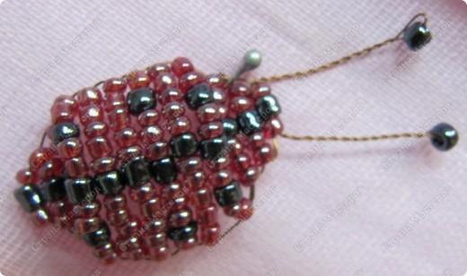 насекомые из бисера фото 8
