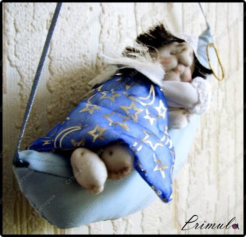 Вот и мой Сплюшка - шатен :)  После долгого трудового дня, повесил нимб на крючок и уснул на месяце )  фото 3