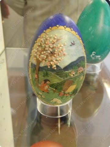 Продолжая начатую тему выставки пасхальных яиц. Это 2 часть.  Яйца украшены соломкой... фото 10