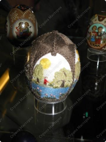 Продолжая начатую тему выставки пасхальных яиц. Это 2 часть.  Яйца украшены соломкой... фото 17