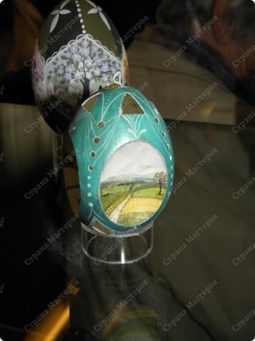 Продолжая начатую тему выставки пасхальных яиц. Это 2 часть.  Яйца украшены соломкой... фото 19