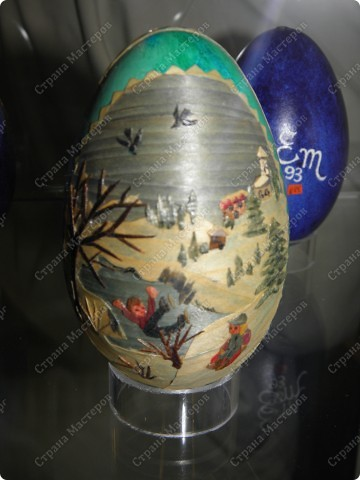 Продолжая начатую тему выставки пасхальных яиц. Это 2 часть.  Яйца украшены соломкой... фото 11