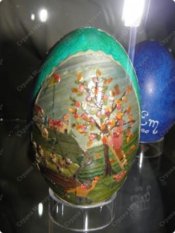 Продолжая начатую тему выставки пасхальных яиц. Это 2 часть.  Яйца украшены соломкой... фото 12