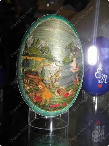 Продолжая начатую тему выставки пасхальных яиц. Это 2 часть.  Яйца украшены соломкой... фото 13