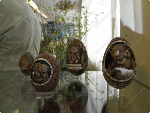 Продолжая начатую тему выставки пасхальных яиц. Это 2 часть.  Яйца украшены соломкой... фото 20