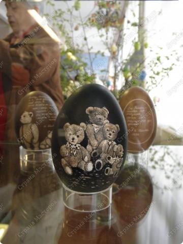 Продолжая начатую тему выставки пасхальных яиц. Это 2 часть.  Яйца украшены соломкой... фото 21