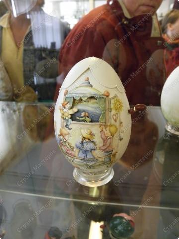 Продолжая начатую тему выставки пасхальных яиц. Это 2 часть.  Яйца украшены соломкой... фото 27