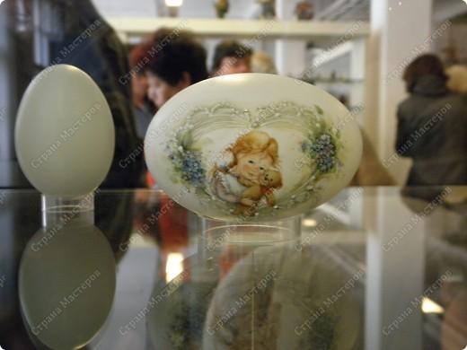 Продолжая начатую тему выставки пасхальных яиц. Это 2 часть.  Яйца украшены соломкой... фото 32