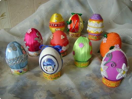 Пасхальные яйца в разных техниках и из разных материалов. фото 1