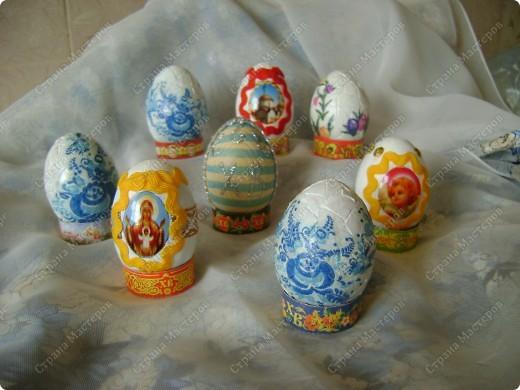 Пасхальные яйца в разных техниках и из разных материалов. фото 2
