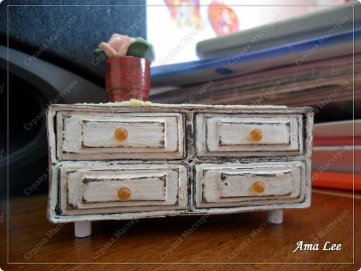 Наткнулась в инете на МК:  http://pastilka.blogspot.com/2011/03/miniature-set-of-drawers-tutorial.html Понравилось! :) Решила сделать что-то подобное. Вот, что получилось! фото 3