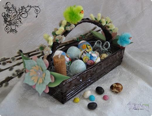 Мальчики да девочки, свечечки да вербочки Понесли домой. Огонечки теплятся, Прохожие крестятся, и пахнет весной. Ветерок удаленький, дождик, дождик маленький, Не задуй огня. В воскресенье вербное Завтра встану первая для святого дня. фото 4