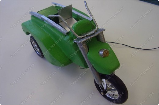 Трицикл для инвалидов-колясочников