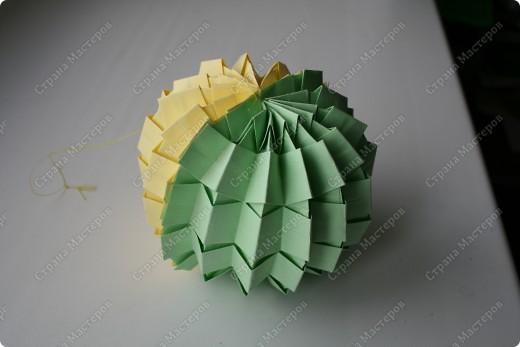 Гофрированный шарик. выполненный в технике оригами, гофрировка фото 2