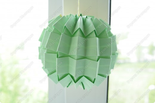 Гофрированный шарик. выполненный в технике оригами, гофрировка фото 1