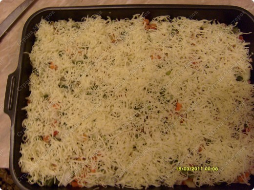 нам потребуется: фарш 1кг сыр 200гр(любого) овощную смесь  майонез фото 3