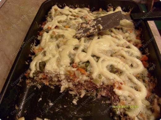 нам потребуется: фарш 1кг сыр 200гр(любого) овощную смесь  майонез фото 1
