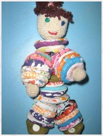 """Эти игрушки мы изготовили с девочками по подборке материалов по рукоделию из разных журналов.  """"Петушки"""" фото 2"""