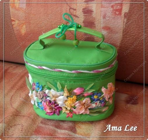 Доброго лета Вам!  Жила-поживала у меня простая сумочка для косметики от Ив Роше. А стала вот такая! :) фото 2