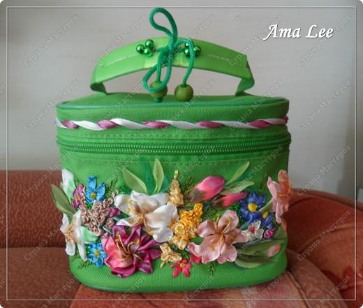 Доброго лета Вам!  Жила-поживала у меня простая сумочка для косметики от Ив Роше. А стала вот такая! :) фото 1