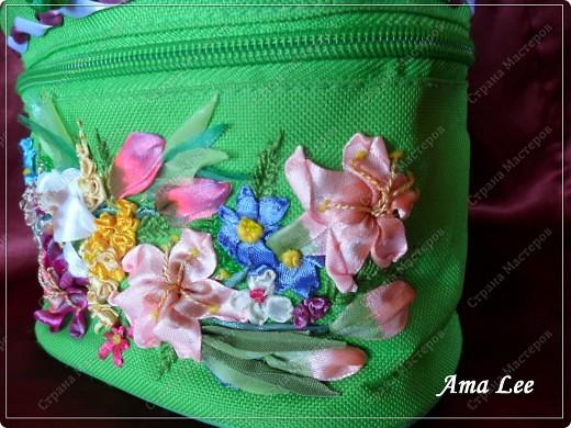 Доброго лета Вам!  Жила-поживала у меня простая сумочка для косметики от Ив Роше. А стала вот такая! :) фото 3