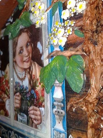 грунтуем заготовку,приклеиваем на ПВА распечатку,текстурной пастой выкладываем ствол дерева и ветки,хорошо просушиваем фото 6