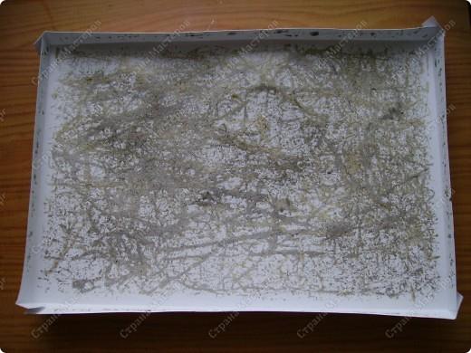 Училась делать розочки из атласной ленты. Ну и приспособила их. Красивый фон от старой открытки фото 20