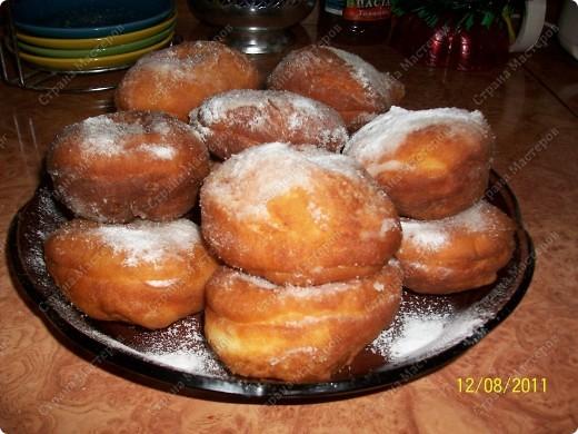 Пончики с вареной сгущенкой.