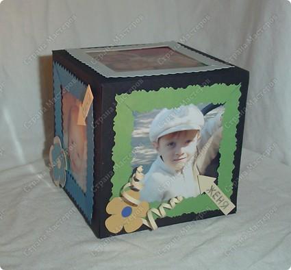 Куб - рамка  с фотографиями всех членов семьи, для мужа в подарок.  Сказал что унесёт на работу, там и будет любоваться))) фото 2