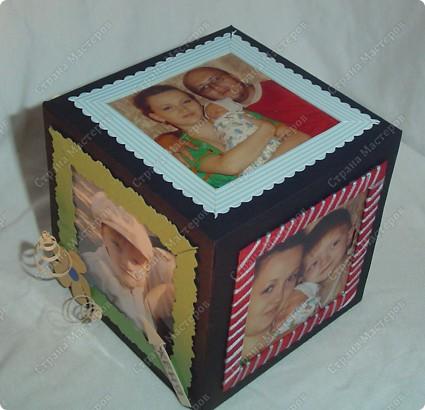 Куб - рамка  с фотографиями всех членов семьи, для мужа в подарок.  Сказал что унесёт на работу, там и будет любоваться))) фото 5