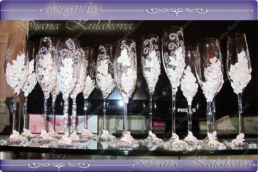 Это называется - Свадебный сезон в самом разгаре )))) - рабочий процесс, некоторые бокалы только после запекания, еще без росписи)) фото 1