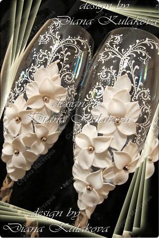 Это называется - Свадебный сезон в самом разгаре )))) - рабочий процесс, некоторые бокалы только после запекания, еще без росписи)) фото 3