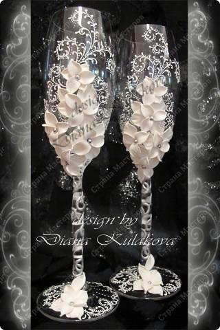 Это называется - Свадебный сезон в самом разгаре )))) - рабочий процесс, некоторые бокалы только после запекания, еще без росписи)) фото 5