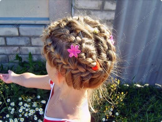 Лето... жара...и чтобы волосы не мешали, мы подбираем их в такую причёсочку... фото 2