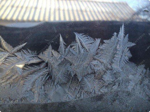 Пришла волшебница зима.Взяла она краски и расписала морозными узорами окна. фото 20