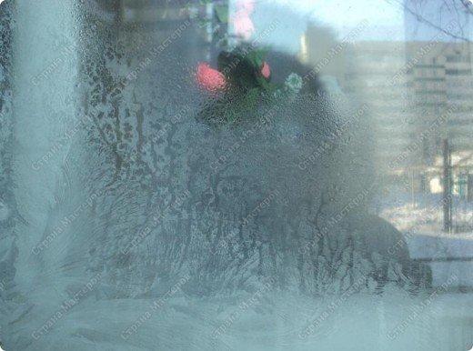 Пришла волшебница зима.Взяла она краски и расписала морозными узорами окна. фото 10