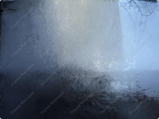Пришла волшебница зима.Взяла она краски и расписала морозными узорами окна. фото 2