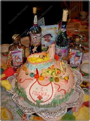 У моего крестничка 5 ноября было день рождения - он уже у нас взрослый - ведь ему исполнился годик!!! Его любимая бабушка Люба ( женщина с ЗОЛОТЫМИ ручками) испекла ему невероятный торт!!! Мне очень хочется Вам показать этот фееричный шедевр! фото 7