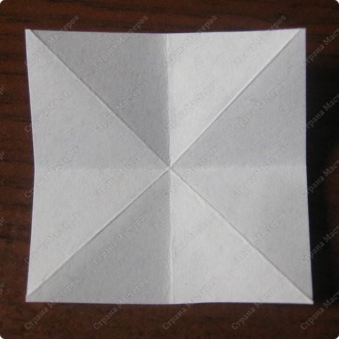 """""""Ленивая"""" (Lazy), по аналогии с ленивыми варениками и ленивыми голубцами))), потому что экономит кучу времени и немного бумаги;)) На модули уходит 20 минут + около 20 минут на сборку. Собирается только с клеем. Квадраты 4 см, 30 модулей, итог 9 см.  фото 4"""