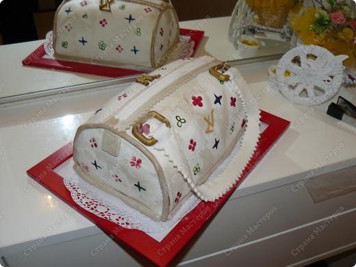 Торт бисквитный белые коржи. фото 1
