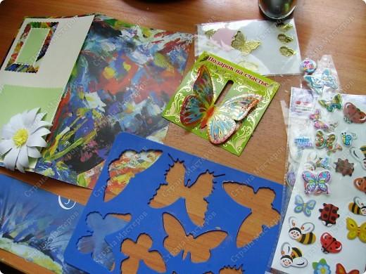 Ну никак не получаются скрап-открытки... Ну нравится использовать бросовый материал, нравятся бабочки, которые слетелись на ромашку   в большом количестве... фото 4