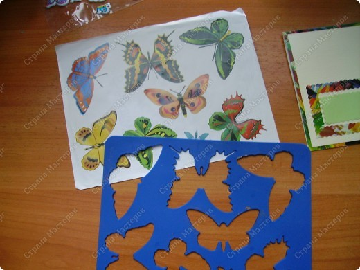 Ну никак не получаются скрап-открытки... Ну нравится использовать бросовый материал, нравятся бабочки, которые слетелись на ромашку   в большом количестве... фото 6