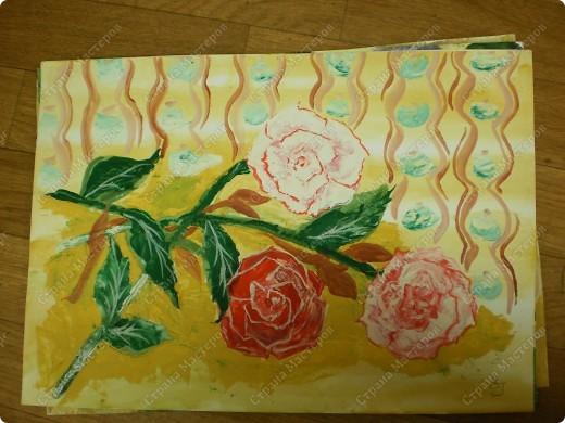 букет-маме!использовала:акварель,для фона,на губку нанесла гуашь,сделала штамповку,несколькими цветами-и вот СИРЕНЬ! фото 11