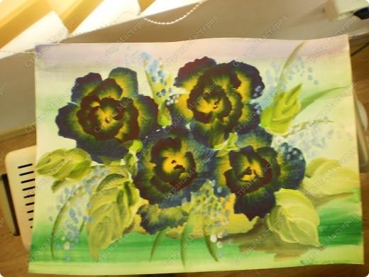 букет-маме!использовала:акварель,для фона,на губку нанесла гуашь,сделала штамповку,несколькими цветами-и вот СИРЕНЬ! фото 13