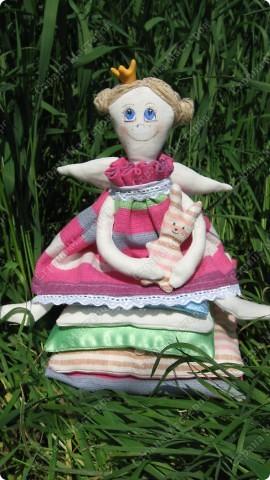 Принцесса на горошине для дочки.Давно хотела сшить эту куколку,вот наконец появилось время и желание осуществилось. фото 2