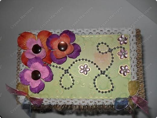 вот такие малышки размером со спичечный коробок с секретиком внутри...и открывающейся открыточкой под цветком... фото 7